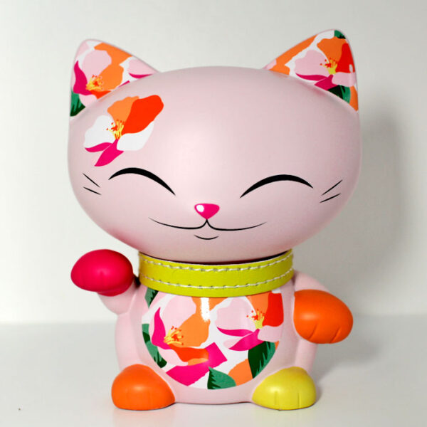 Mani the lucky cat rose pour l'amour