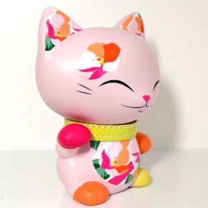 Mani the lucky cat rose, profil