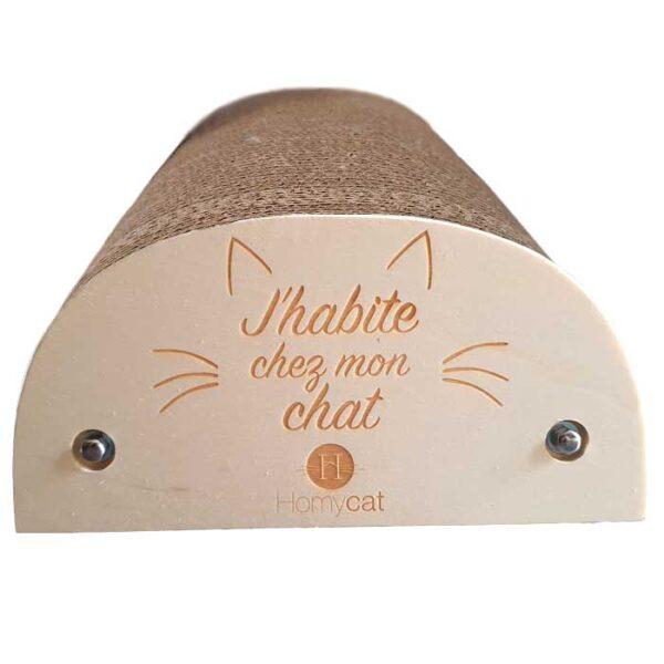 """Griffoir Chat humoristique """"J'habite chez mon chat"""""""