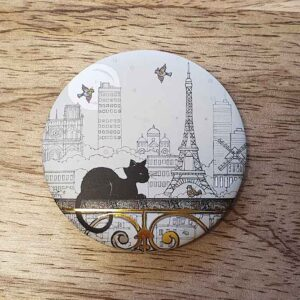 Magnet Chat Bug Art sur un balcon parisien