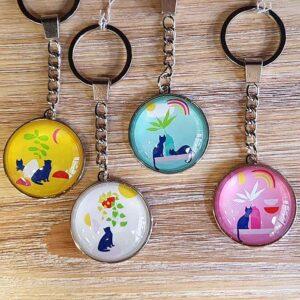 Porte-clés Chats Pop en verre, 4 couleurs différentes